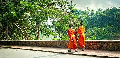 Buddhistische Moenche Luang Prabang Laos Indochina Asien