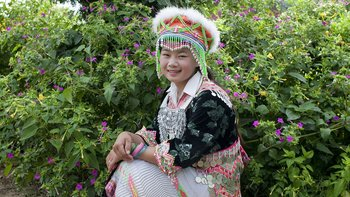 Hmong in traditioneller Tracht